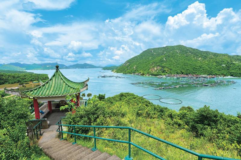 Explore the Islands in Hong Kong