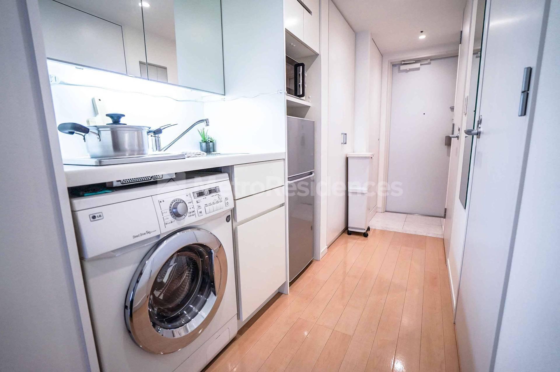 一般的な生活が出来るような家具・家電などが完備されている その2