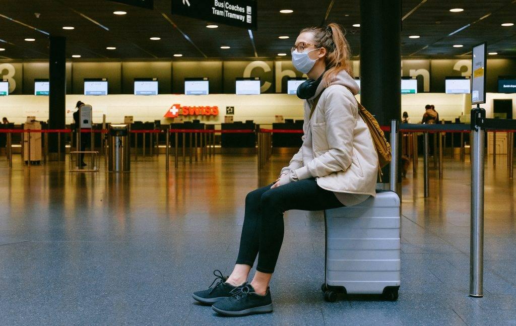 自主隔離 空港からの移動手段は
