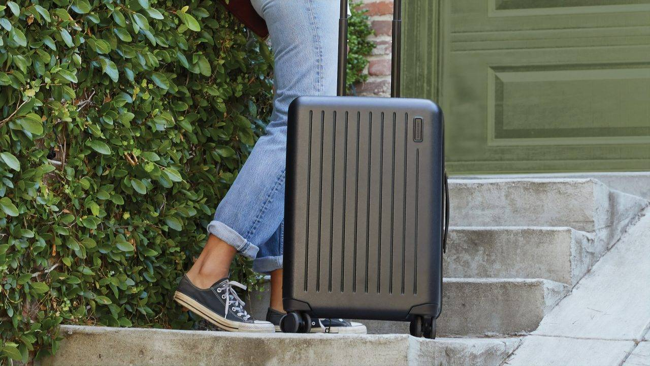 7 Unexpectedly Essential items to bring on your business trip!
